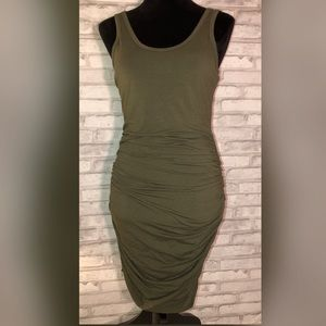 EXPRESS SCOOP STRETCH DRESS SZ M